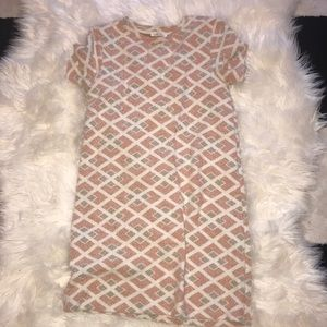 Geometrical shift dress